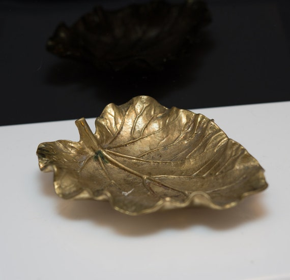 Virginia Metal Crafters VMC Rhubarb Leaf Dish 1948 5 inches Oskar Hansen Mid Century Brass Organic Designs
