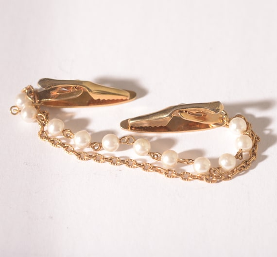 Elegant Vintage Sweater Clasp Chain Pearl and Gold Tone Free shipping USA
