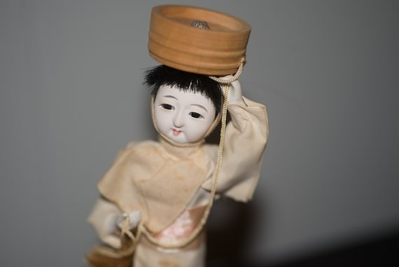 Vintage 1950s 60's Japanese Doll , Japan Doll international doll figurine Dancing Souvenir Doll Delicate Oriental Folk Doll Geisha
