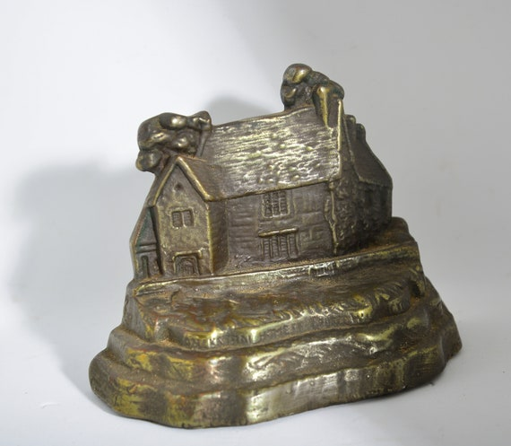 antique Armor Bronze Washingtons Ancesteral Home Bookend or Door Stope heavy Bronzed 1920-30
