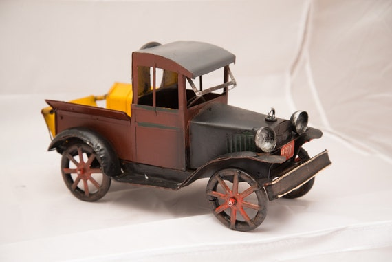 Artsy Metal Sculpture Vintage Truck 1928 Pick Up Farm Truck chippy Shelf Sitter
