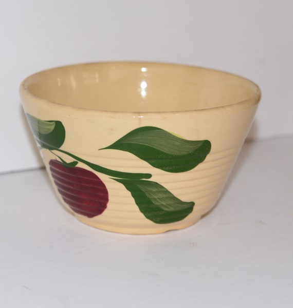 Watt Pottery Apple  Number 7 Ringed Pottery Bowl Watt Pottery 7 inch bowl Apples 1940s 3 Leaves ribbed Bowl Orignal