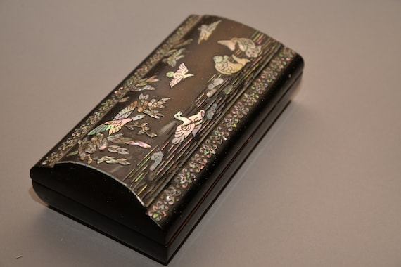 Asian Desk Set ink well Mother of Pearl Abalone Inlaid Laquerware Swans and Pheasants