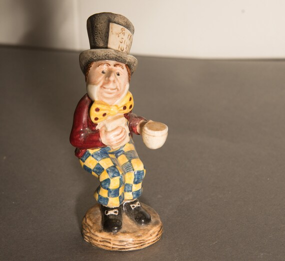 Royal Doulton Beswick Alice Series 1974-83 Mad Hatter Porcelain Figurine  Free Shipping USA