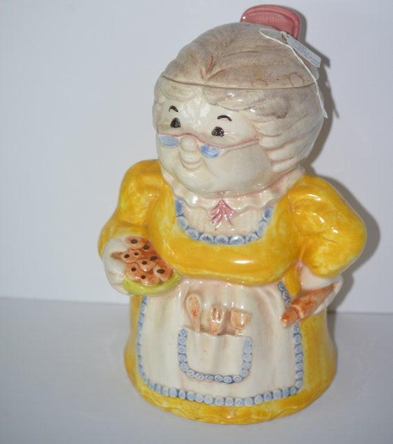 Treasure Craft Grandma Cookie Jar 1960s Yellow Dress Grandma with Cookies Adorable cookie Jar