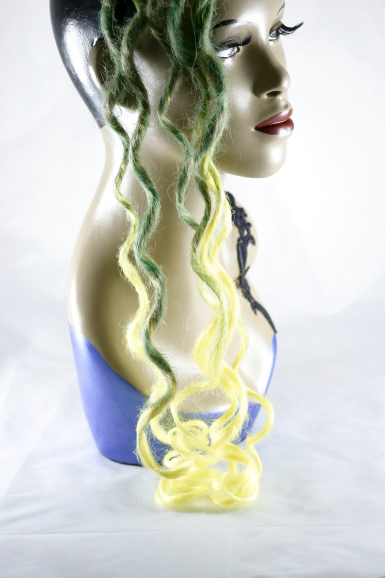 Iced lemon and leaves Extra long synth dread accent kit 26 inch ringlets DE 6 ct misty green to canary yellow transitional color accent kit