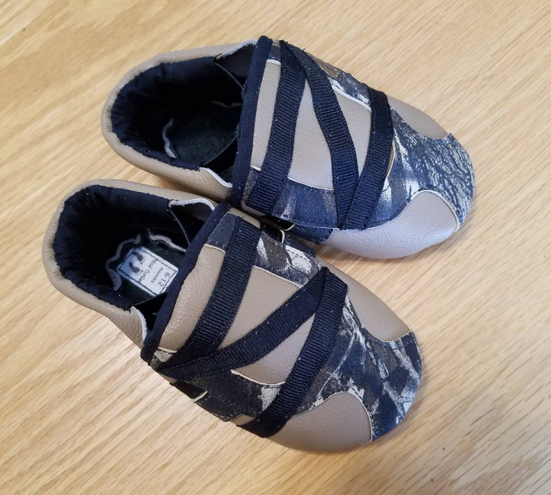 ac5b24d040d8e Baby boy shoes realtree camo zig zag 6-12 months/ size 4 mud | Etsy