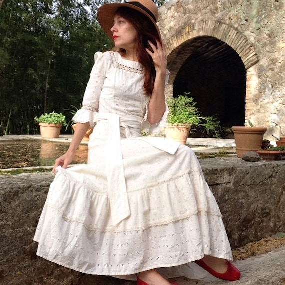 1970s ivory lace bohemian romantic dress broderie