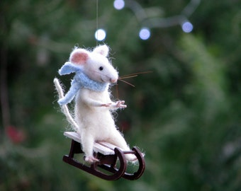 Christmas tree ornament Mouse on sledge Winter home decoration Mouse ornament Felted ornament Felt ornament Winter decoration