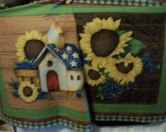 Sale 20% Off Set of 2 SUNFLOWERS Birdhouses Quilt Blocks/Pillow Panels