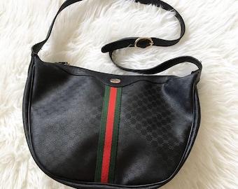 b046206a9 Vintage Black Gucci Shoulder Strap Zip Top Logo Purse Handbag