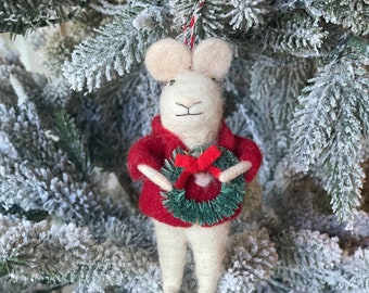 Mouse with wreath | Christmas Mouse | Felted Wool Mouse | Gifts under 15