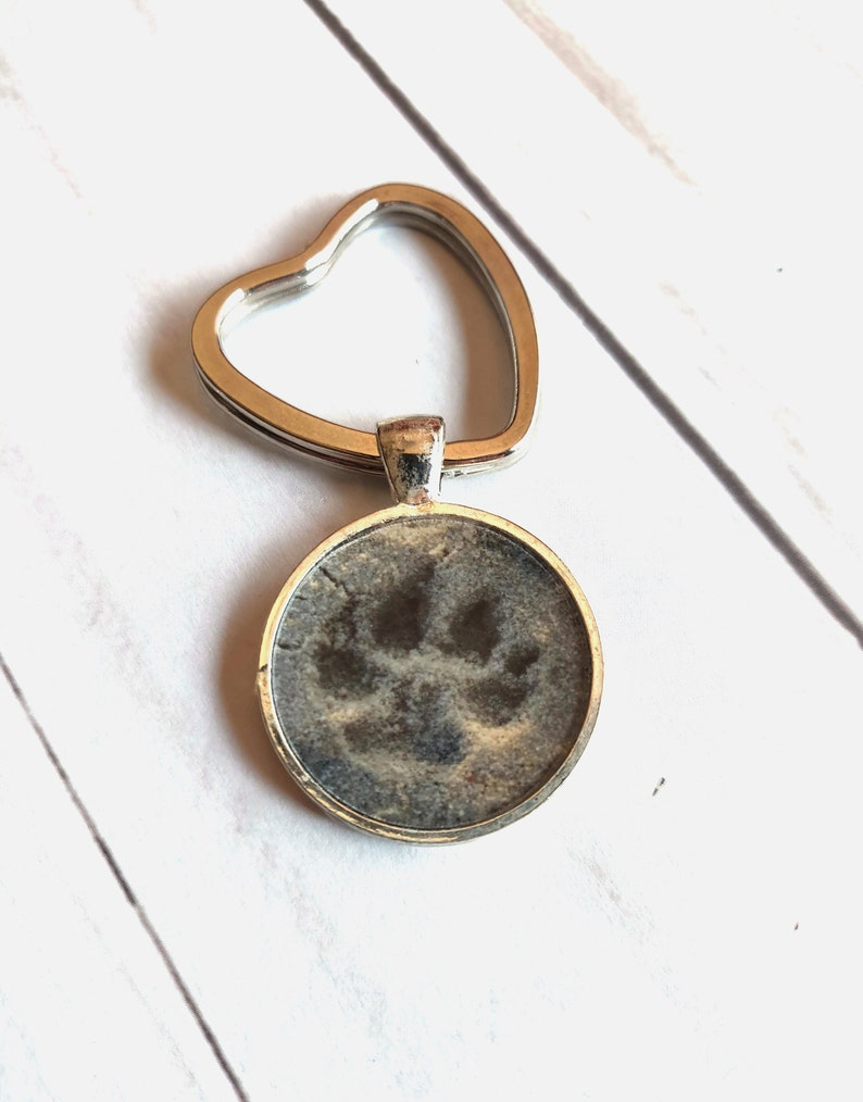 Paw Print Key chain Sand Beach Writing Key Chain from the image 0
