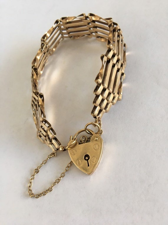 Vintage chain bracelet heart locket 9 ct yellow go