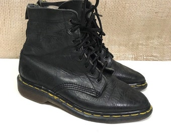 a6e93121fa1 Vintage Dr Martens boots 80s Rare Pointy 8 hole black leather women s US  size 5   UK 2.3-3