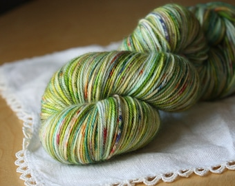 Hand Dyed Yarn / Fingering Weight / Spring Leaf Green Chartreuse Moss Verde Superwash Merino Cashmere Nylon / Gifts for Knitters Crocheters