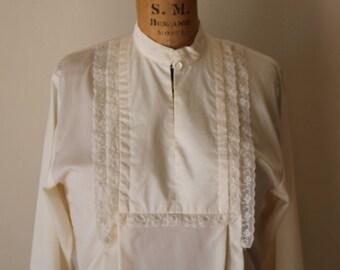 Debout col chemisier   Folk vintage des années 70 S/M blanc crème Ivoire léger plissé chalet romantique minimal à manches longues chemise vintage m
