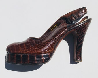 40s Beleganti Pumps | 6.5 peep toe platform ankle strap buckle narrow 6 7 womens mid century 1940s lizard reptile skin red brown leather