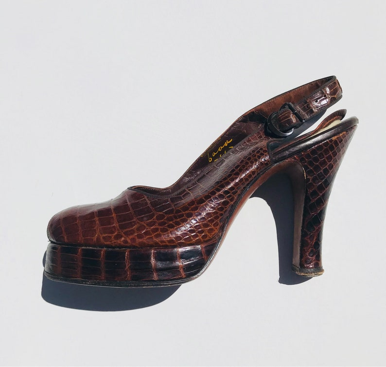 38b433d6296 40s Beleganti Pumps   6.5 peep toe platform ankle strap buckle narrow 6 7  womens mid century 1940s lizard reptile skin red brown leather