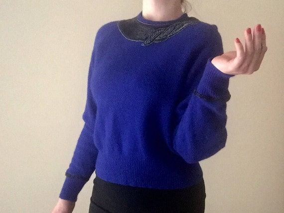 Beaded Wool Sweater | cobalt blue O neckline keyhole opening long sleeve deco avant garde influenced knit preppy VINTAGE top small S kitsch