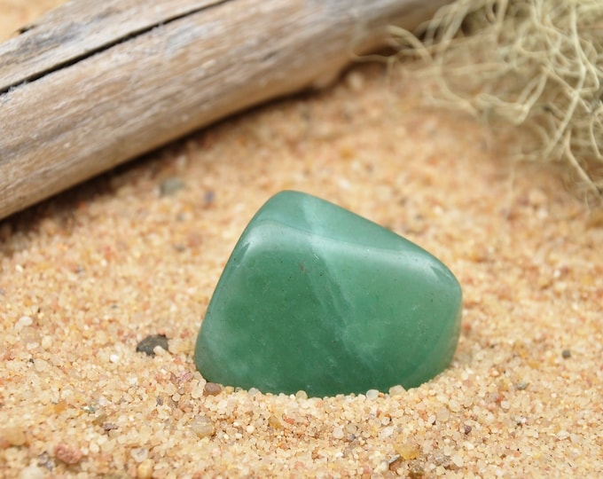 Tumbled Green Aventurine Crystal, Healing Crystals and Stones, Heart Chakra Stones, Prosperity Grids, Courage Crystals, Stone of Opportunity