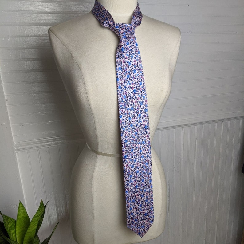 Paul Frederick Italian Handmade Silk Floral Tie