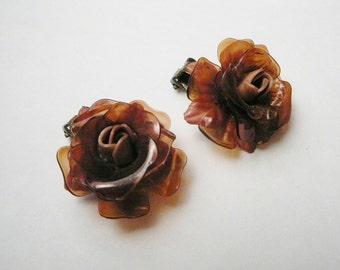 Vtg Apple juice butterscotch Celluloid 3D flower earrings clip on brass plastic