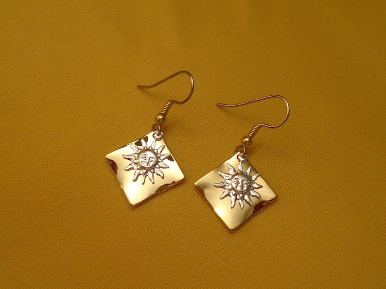 Silver sunshine on my shoulder earrings Style 348 image 0