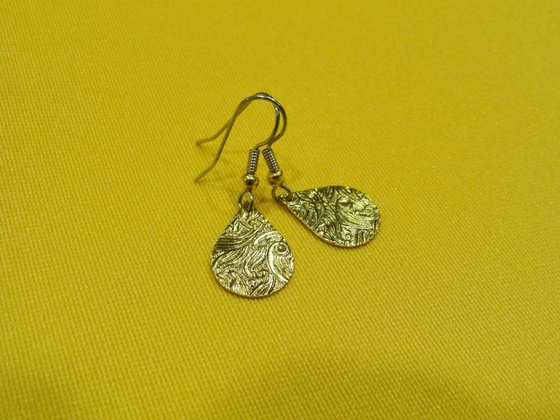 Cry me a river gold teardrop earrings Style 377 image 0