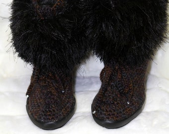 Brown crochet boots, crochet boots, crochet shoes, brown hand made boots, women fashion, winter boots, furry top boots- wide ankle