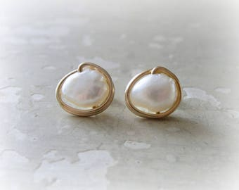 Gold Stud Earrings, White Pearl Posts, Natural Pearl Earring, Bridal Earrings, Stud Earrings Pearls, Real Pearls, Wedding Jewelry