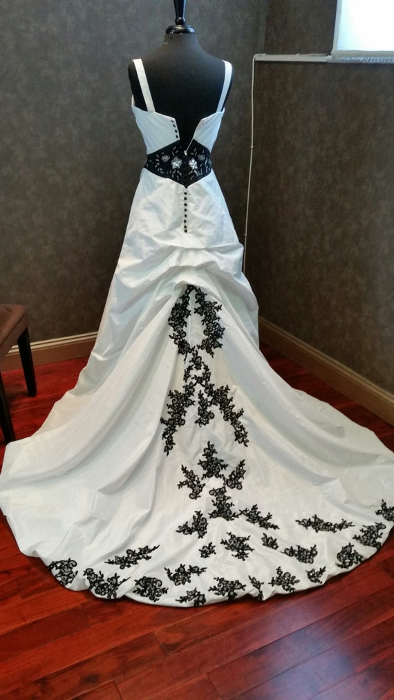 Stunning Vintage Goth Black And White Wedding Dress With Etsy