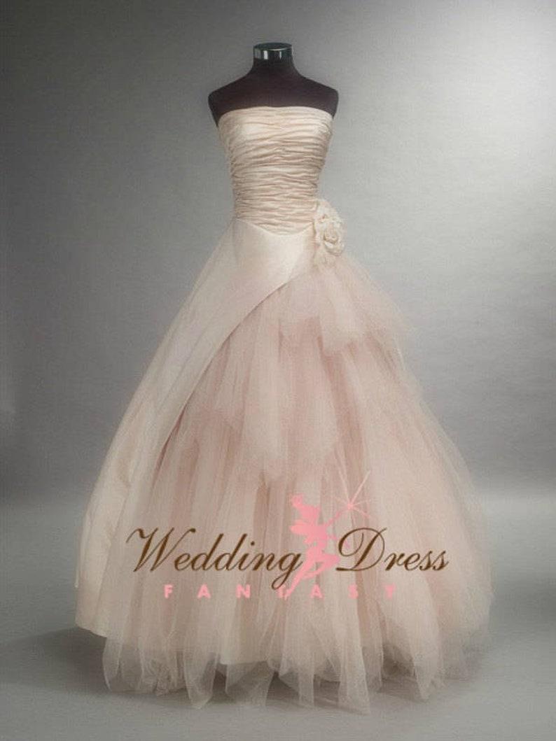 7778529a52 Abito da sposa bellissimo Blush Blush Wedding Gown | Etsy