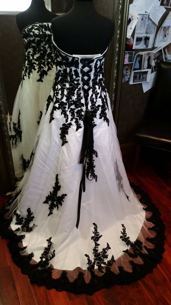 Gorgeous Black and White Wedding Dress, Black and White Wedding Gown, Black  and White Bridal Gown, Gothic Wedding Dress, Alternative Wedding