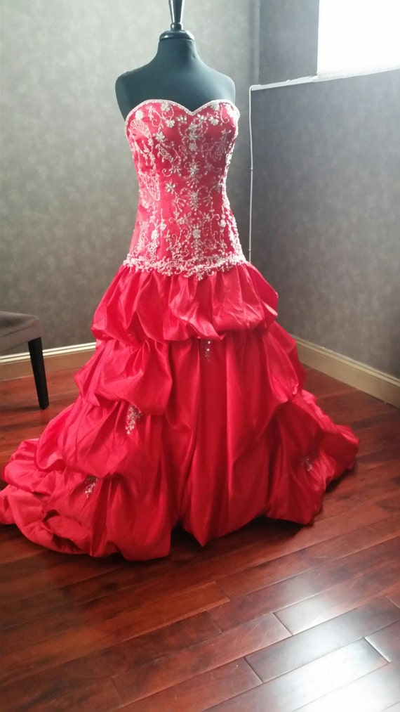 193ecea811b Stunning Red Satin Wedding Dress Bridal Gown with Silver