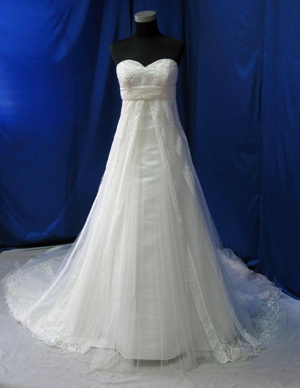 Gorgeous Plus Size Wedding Dress, Empire Waist Wedding Dress, Sweetheart  Neckline Wedding Dress