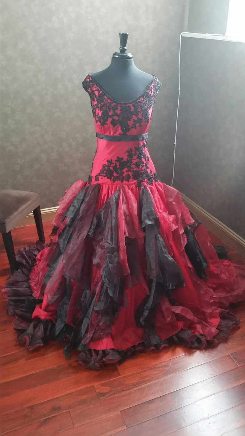 dc3d4cde61 Beautiful Red and Black Wedding Dress Gothic Wedding Dress