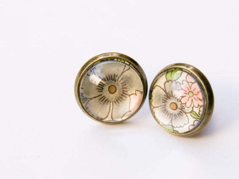 Earrings flower image 0
