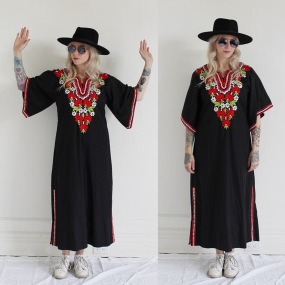Angel Sleeve Embroidered Caftan- M/L 1960s Oaxacan