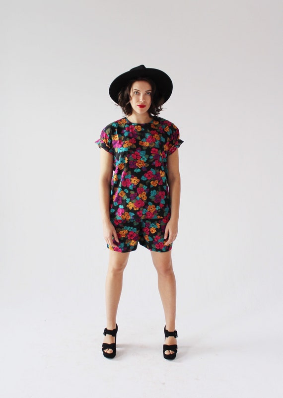 90s Floral Two Piece Set- M, Leisure Shorts, Boxy… - image 4