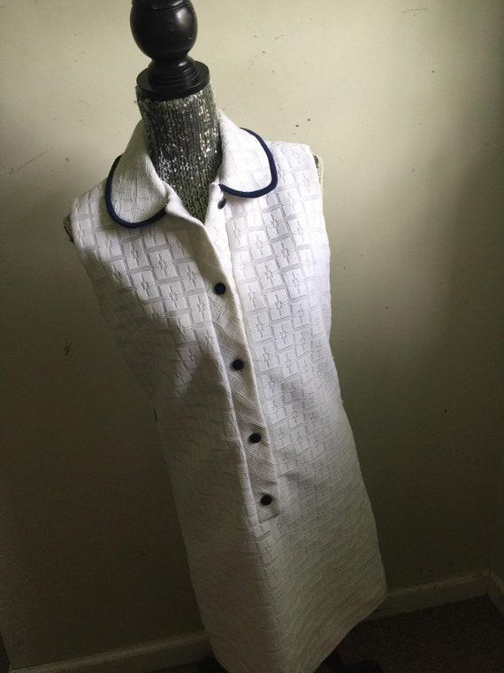 Vintage 70s White Collared Shift Dress