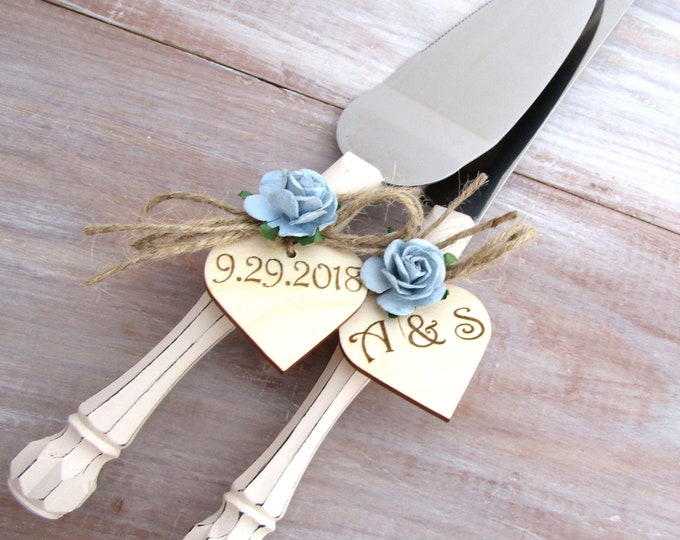 Rustic Chic Wedding Cake Server And Knife Set, Cream and Dusty Blue, Personalized Wood Hearts, Bridal Shower Gift, Wedding Gift