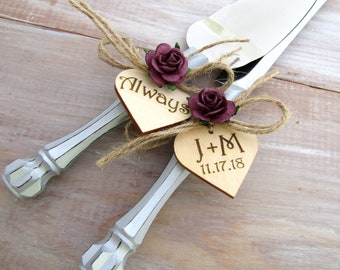 Rustic Chic Wedding Cake Server Knife Set Silver with Plum Flowers Personalized Wood Hearts Cake Cutter Bridal Shower Gift Wedding Gift