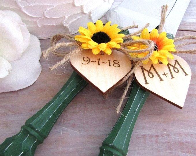 Rustic Chic Wedding Cake Server And Knife Set, Dark Green with Sunflowers, Personalized Wood Hearts, Bridal Shower Gift, Wedding Gift