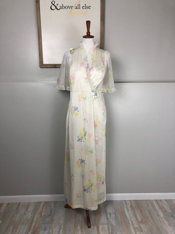 Vintage Jolie Two Floral Nightgown and Matching Ro