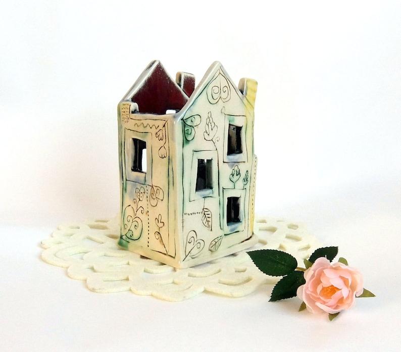 Office Decor Pencil pot with windows Ceramic pencil box Pencil holder with flowers Cute Desk Organize Ceramic house