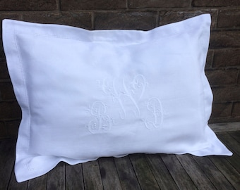 White 100% Linen King Pillow Sham, Custom Embroidered Centre Monogram Luxury Oxford Pillowcase Bedding, Personalized, Heirloom Wedding Gift