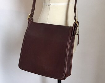 db60c3e26bc7 Vintage Coach Bag Chocolate Brown Leather Messenger Bag   Coach Brown  Leather Crossbody Purse   Coach 9144   Vintage Coach Medium Bag