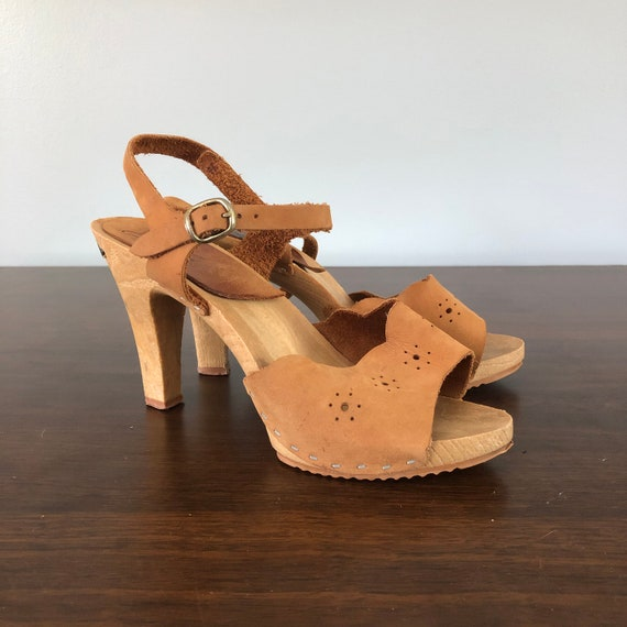 1970's Tan Suede Wood Platforms / Ankle Strap Pump