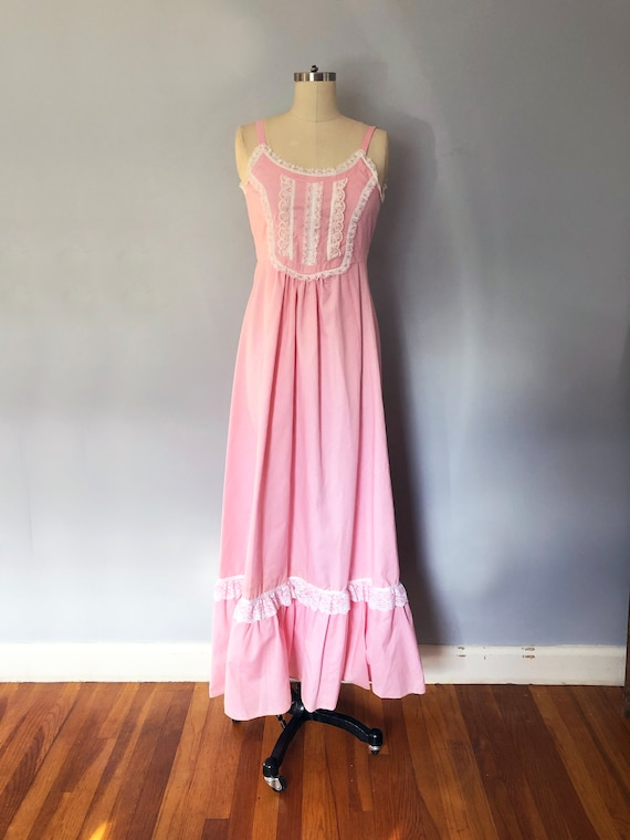 1970s Pink Swiss Dot Prairie Max Dress Quilted Ja… - image 3